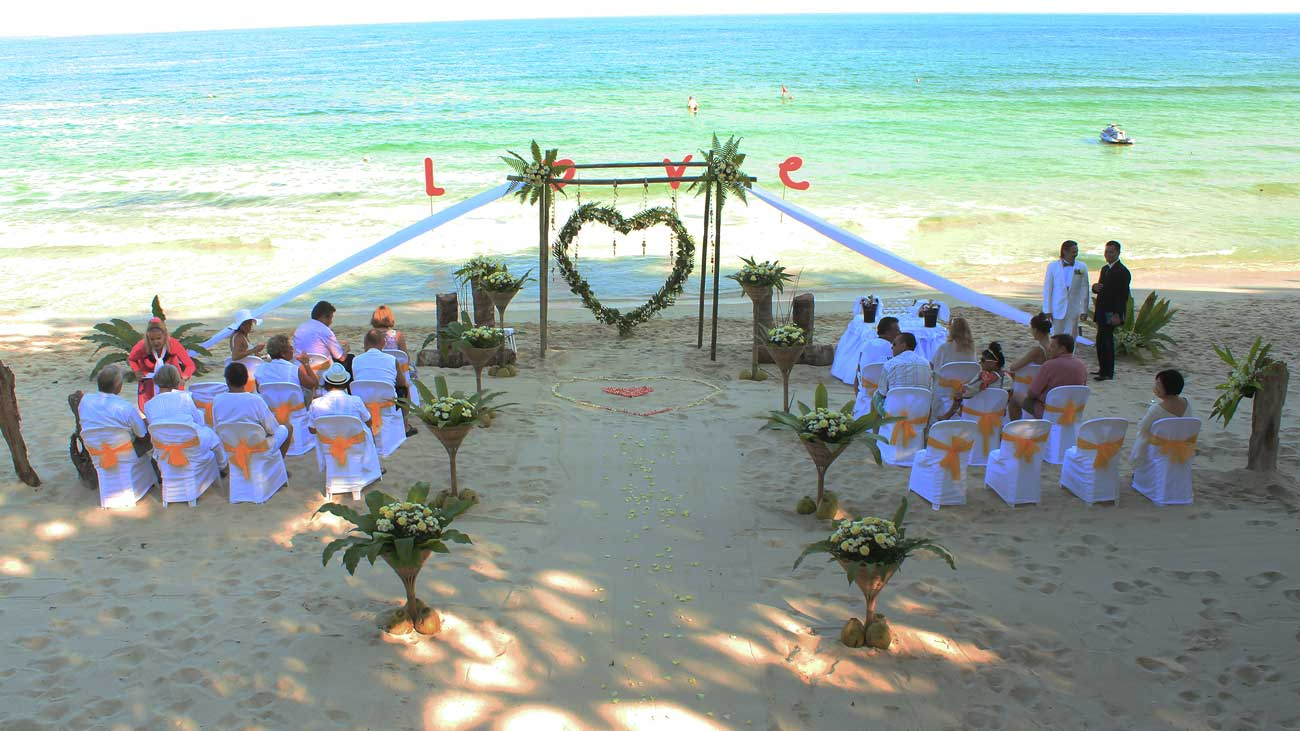 Wedding on the Chaweng Beach, Koh Samui, Thailand